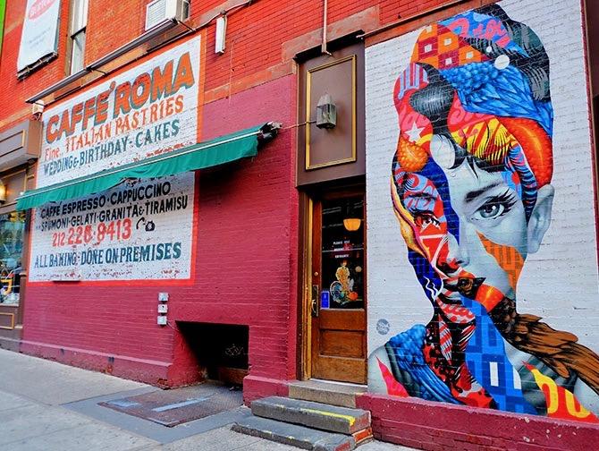 Neighbourhood Little Italy in New York - Mural
