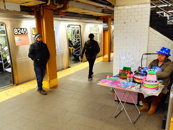 New York Subway - Subway Platform