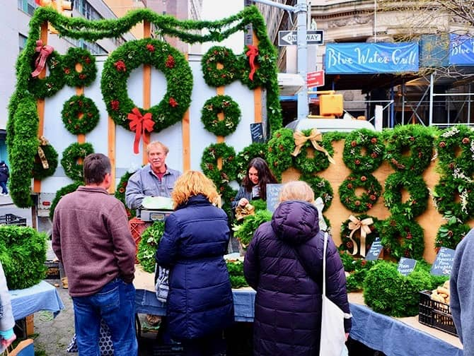 New York Markets - Christmas Wreaths at Union Square