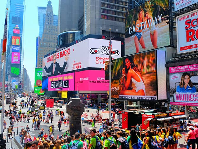 Times Square in New York - Crowds