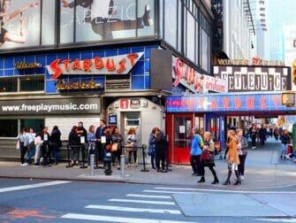 Theme Restaurants New York - Ellen's Stardust Diner