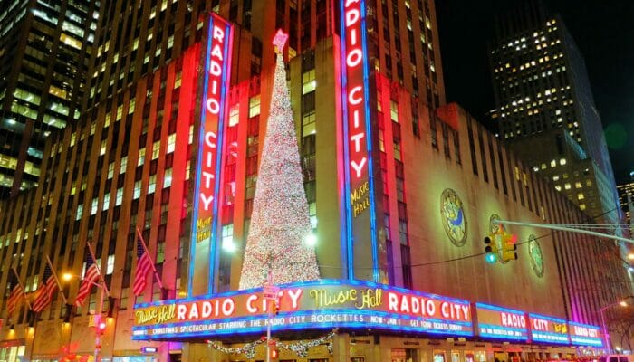 radio city christmas spectacular new york