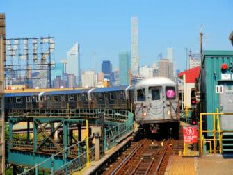 Long Island City train