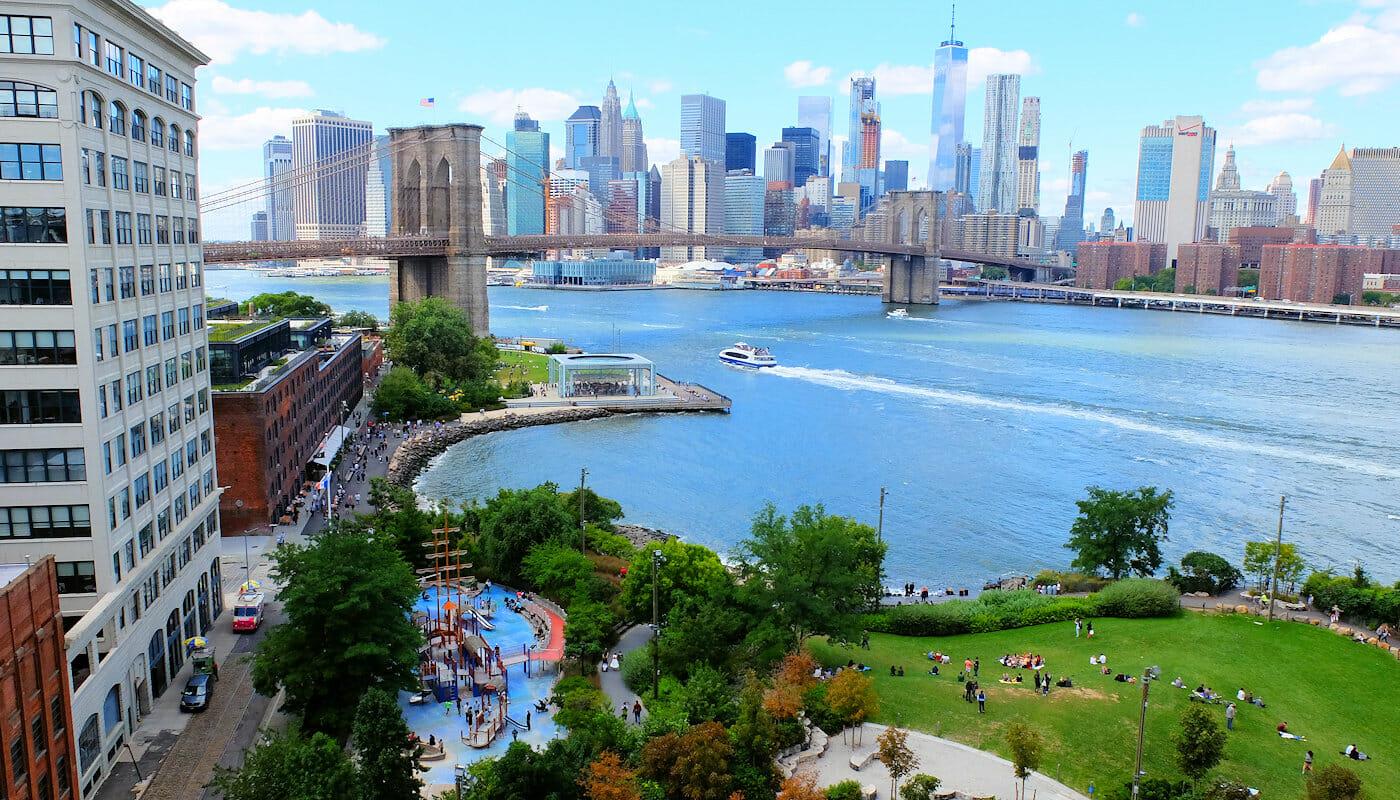Playgrounds in New York - Main Street Playground