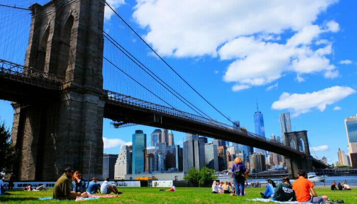 Brooklyn Bridge Park in New York - Relaxing