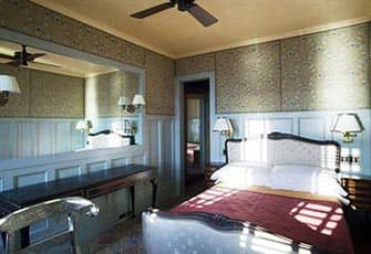 Romantic Hotels in NYC - The Jane