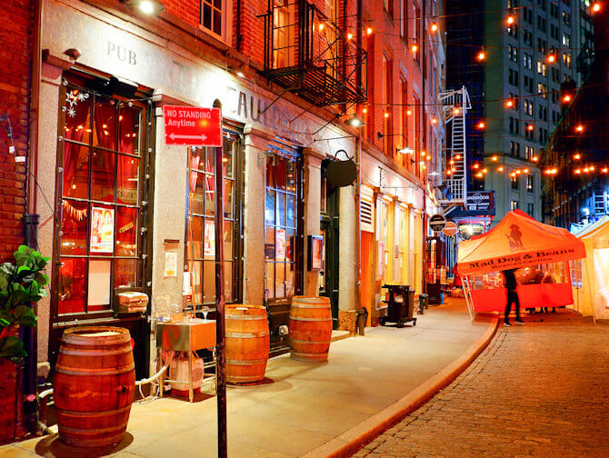 Stone Street in NYC - Bars and Restaurants