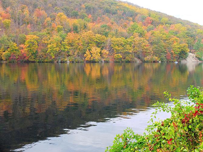 Daytrip to Bear Mountain in New York - Autumn Colours