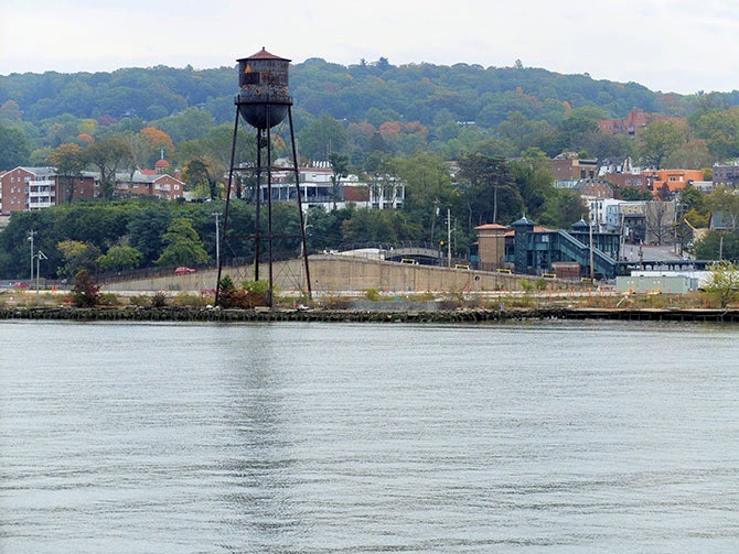 Daytrip to Bear Mountain in New York - Water Tower