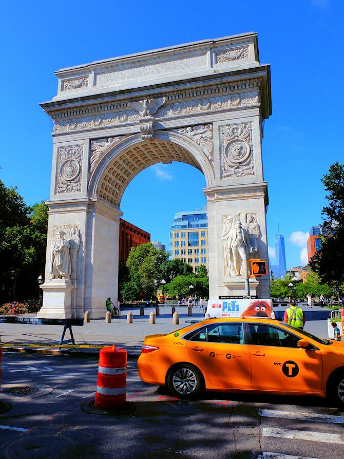Manhattan Bike Tour - Washington Square Park