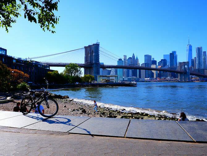 Renting a bike in New York - Brooklyn Bridge