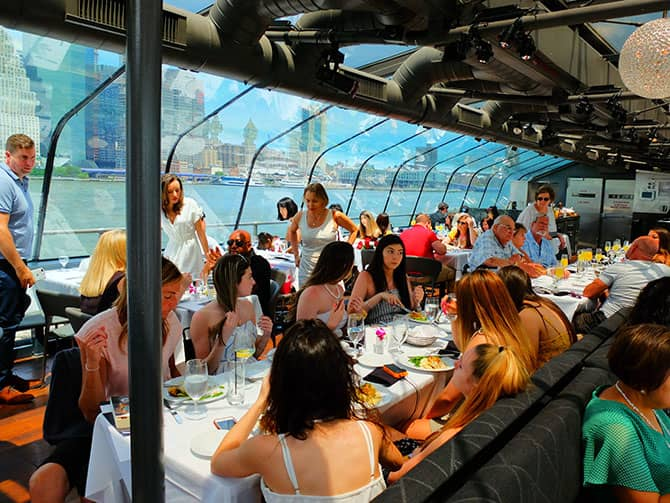 Bateaux Lunch Cruise in New York - Having Lunch