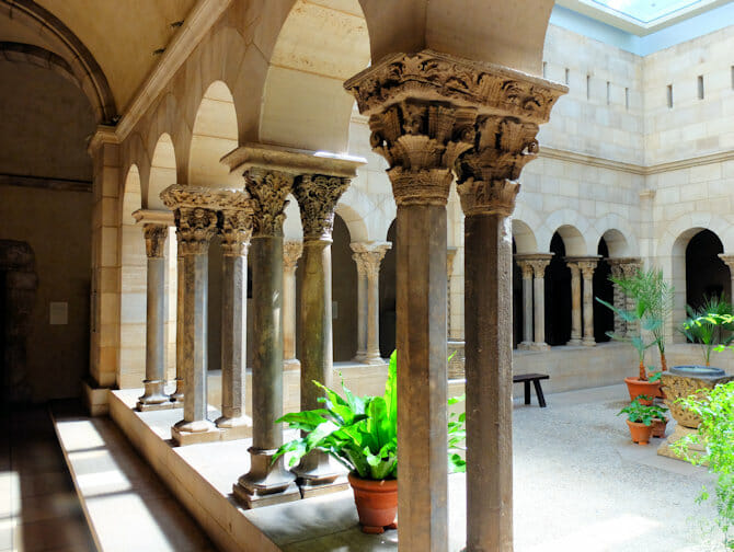 The Met Cloisters in New York - Architecture