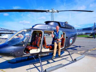No Door Helicopter Tour in New York - Selfie