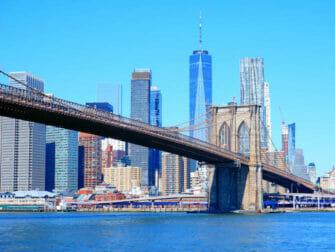 New York Sightseeing Day Pass vs New York Pass Brooklyn Bridge
