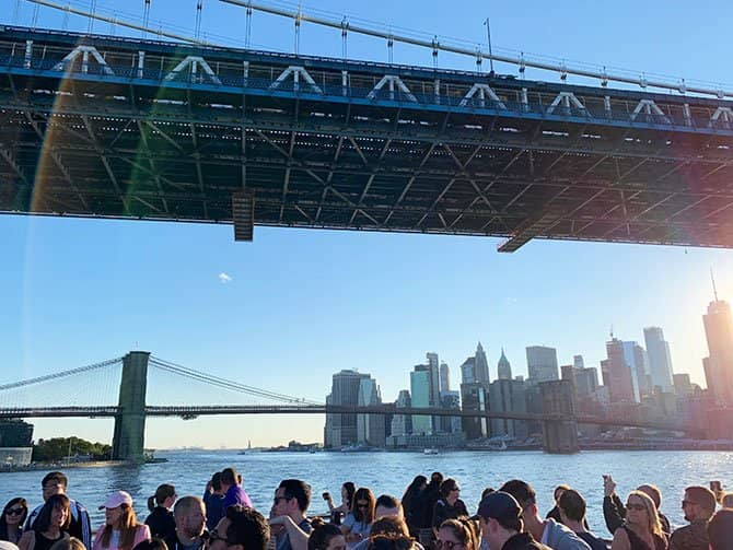 Happy Hour Cruise in New York - Cruising the East River