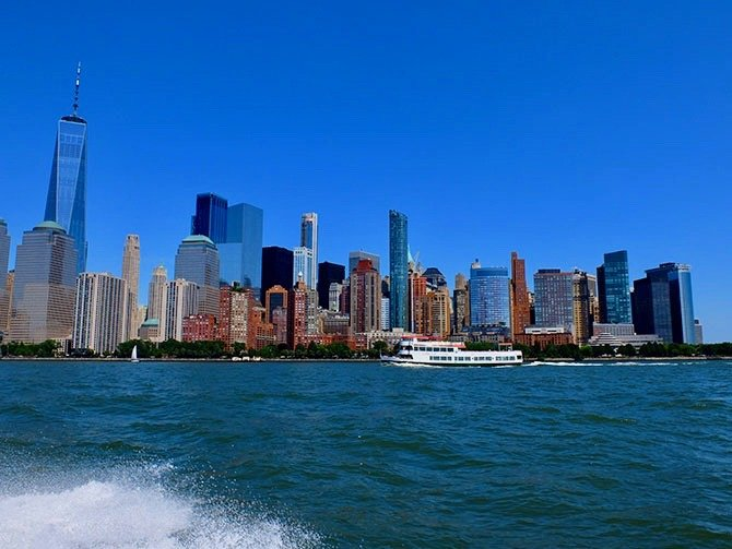 High Speed Boat Tour in New York - View from the Boat