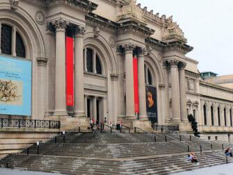 Filming Locations in New York Gossip Girl The Met Steps