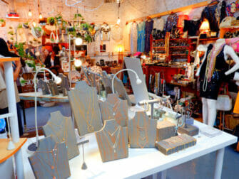 Flea Markets in New York - Artists And Fleas