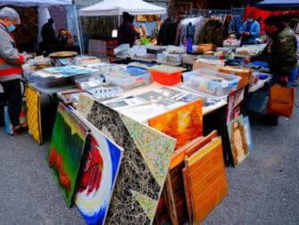 Flea Markets in New York - Chelsea Flea Market Manhattan