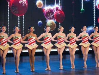 Radio City Music Hall in New York - Radio City Christmas Spectacular