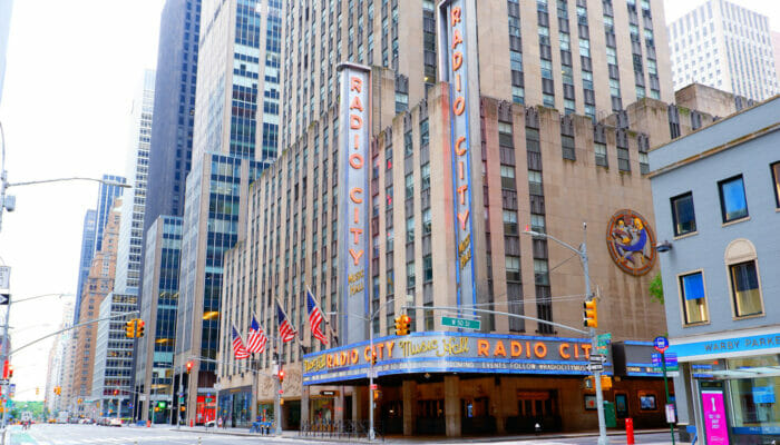 Radio City Music Hall in New York - Venue Outside