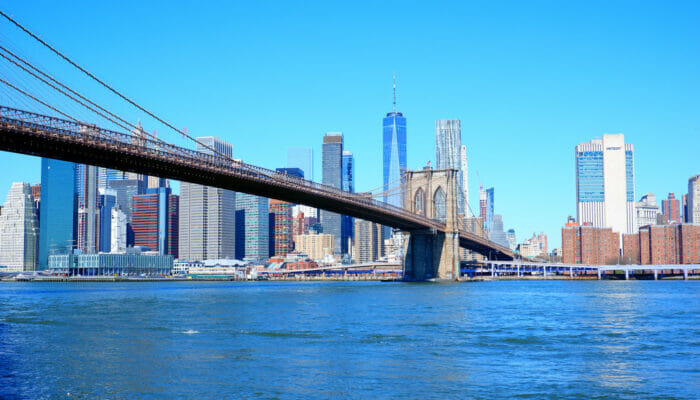 Manhattan in New York - Brooklyn Bridge